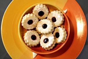 Cat's Eye Sandwich Cookies