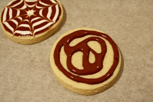 halloween-cobweb-sugar-cookie-decorating-brown-layer