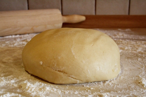 halloween-cobweb-sugar-cookie-dough-ball