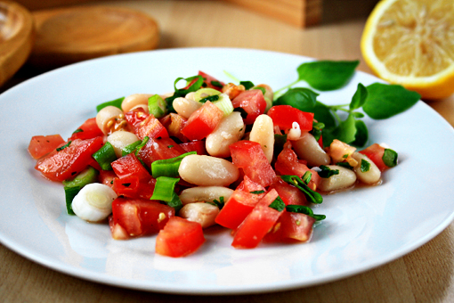 tomato and bean salad recipe with step-by-step images